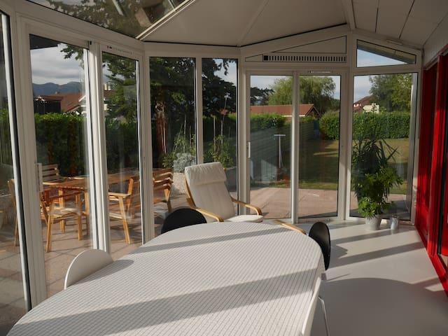 Bel appartement meublé dans villa - Ornex - Villa