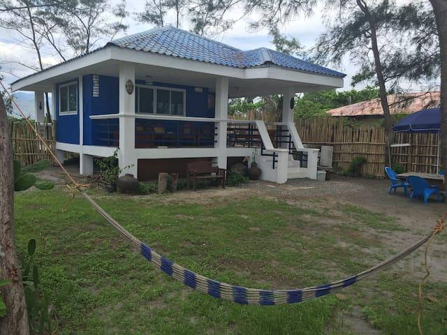 Private BeachFront House, Zambales - Cabangan - Huis