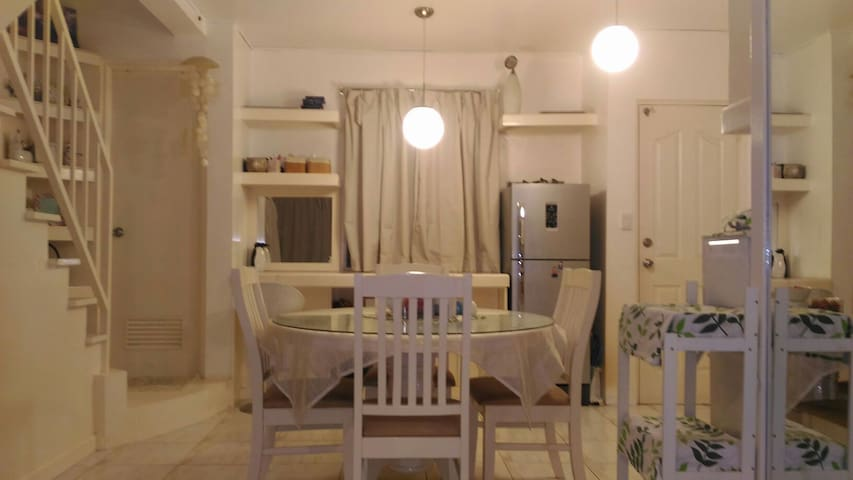 Clean 3BR House Near Marquee Mall - Angeles - Hus