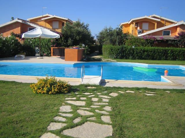 Comfortable villa with swimmingpool - Is Faddas - Villa