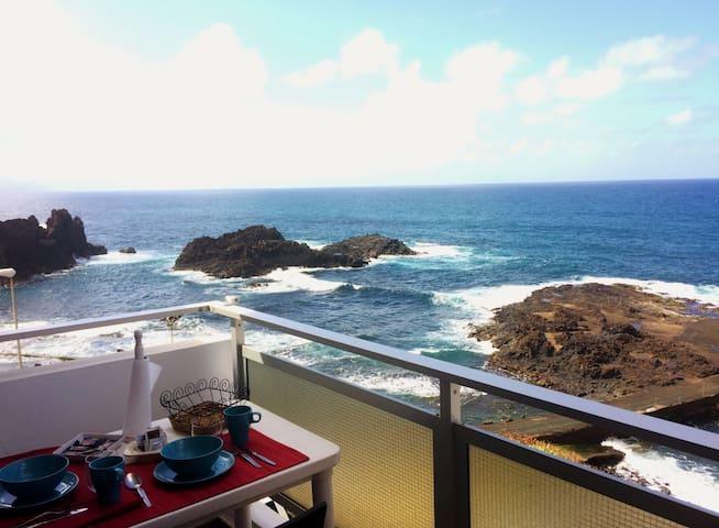 Apartment on the sea front. El Pris, Tacoronte - El Pris - Квартира