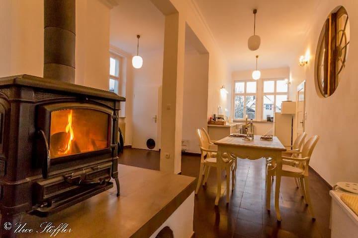 Mondänes, freistehendes Ferienhaus Postmodern - Schrozberg - Hus