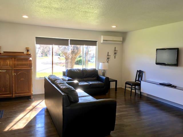 Cozy Duplex - Redding