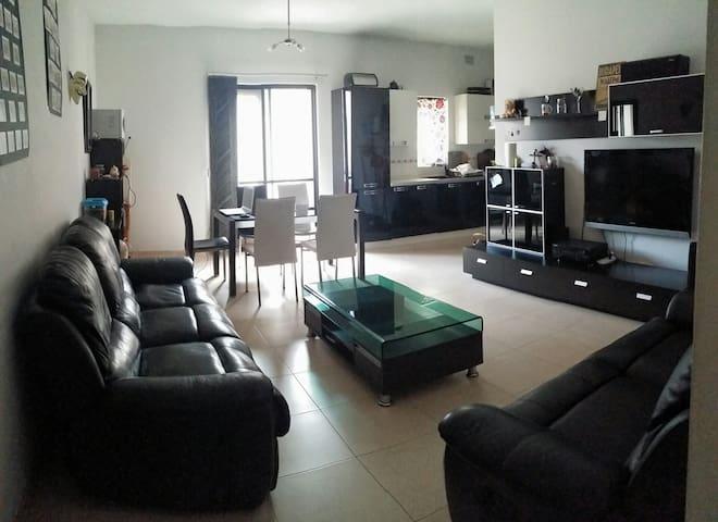 Habitación doble en Msida - Tal-Pietà - Departamento