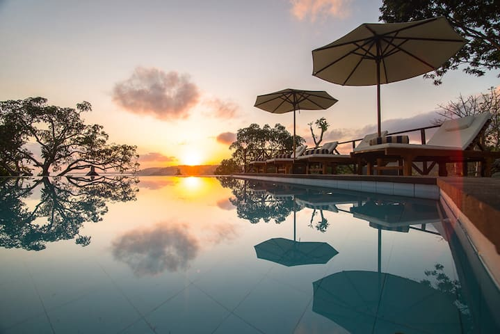 Lembongan Deluxe Garden Lodge - Nusapenida - Bungalow