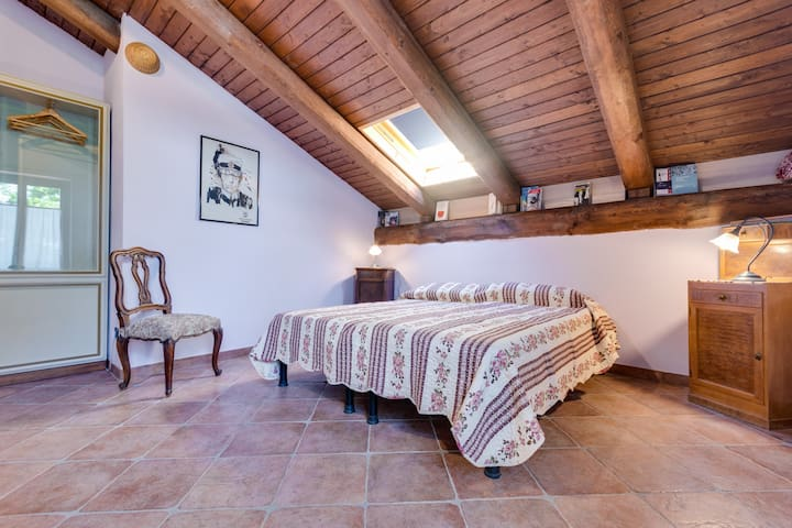 Bed & Breakfast LA RAGANELLA - Camera Lilla - Cantarana - Bed & Breakfast