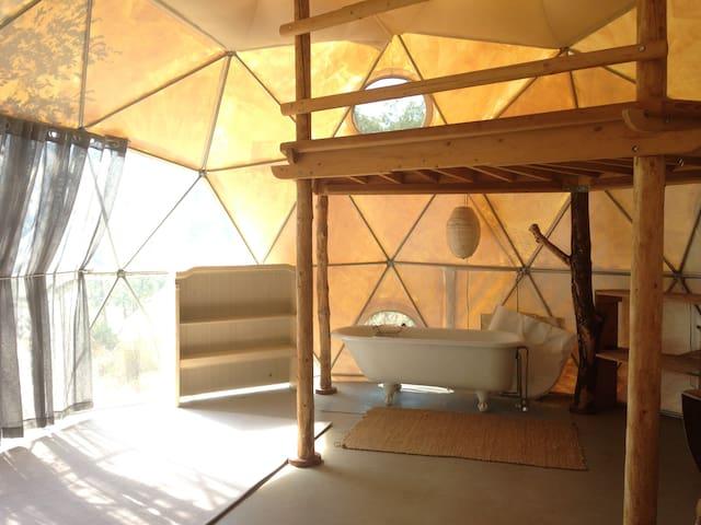 Geodesic Dome on Beautiful Land - Laytonville - Jurta