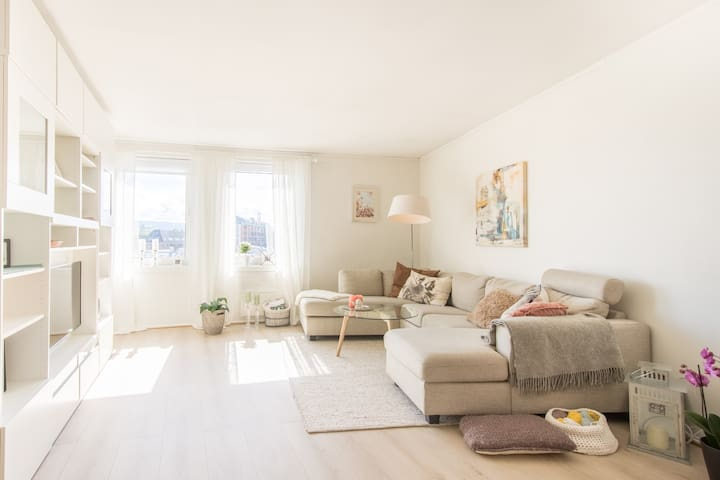 Bright and cozy apartment with beautiful view - Trondheim - Departamento
