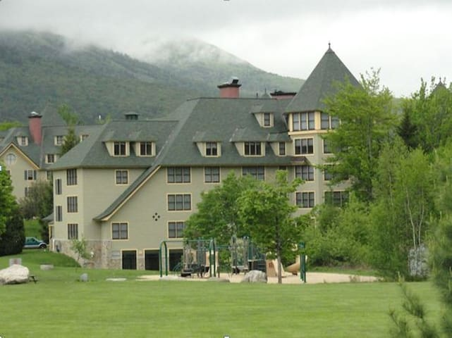 A condo in Golden Eagle Lodge White Mountain NH - Waterville Valley - Wohnung
