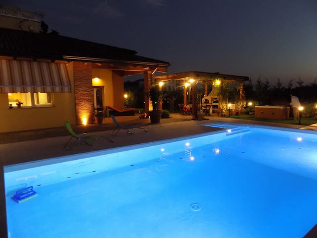 Villa in Parma with swimming pool & Spa - パルマ - 別荘