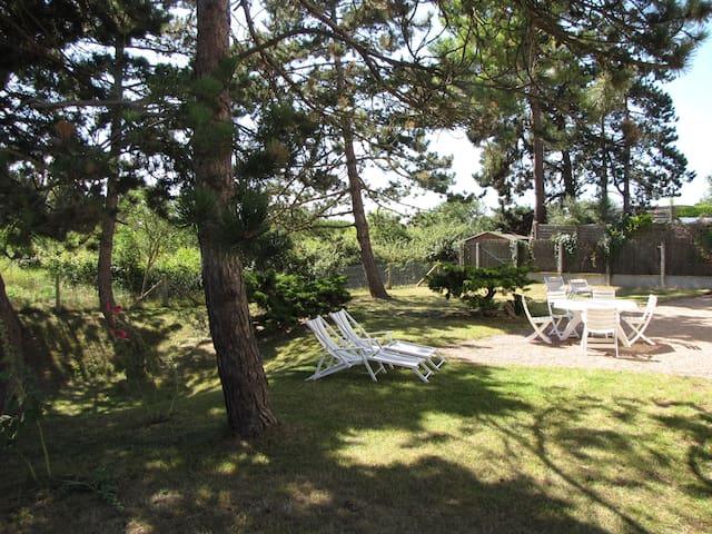 Maison familiale à 2 minutes à pied de la plage - Merville-Franceville-Plage - Huis