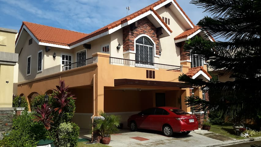 Spacious and Cozy Vacation Rental Property - Dasmariñas - Ev