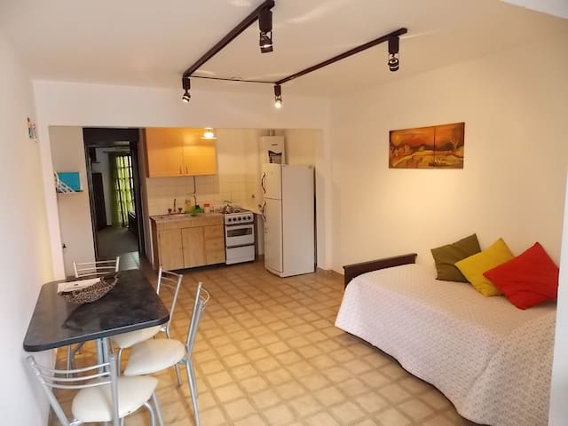 Comfortable Apartment near Downtown - La Plata - Leilighet