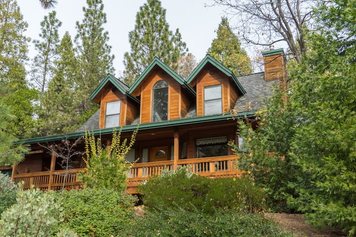 Gorgeous cabin for up to 8 people, with hot tub! - Arnold - Talo
