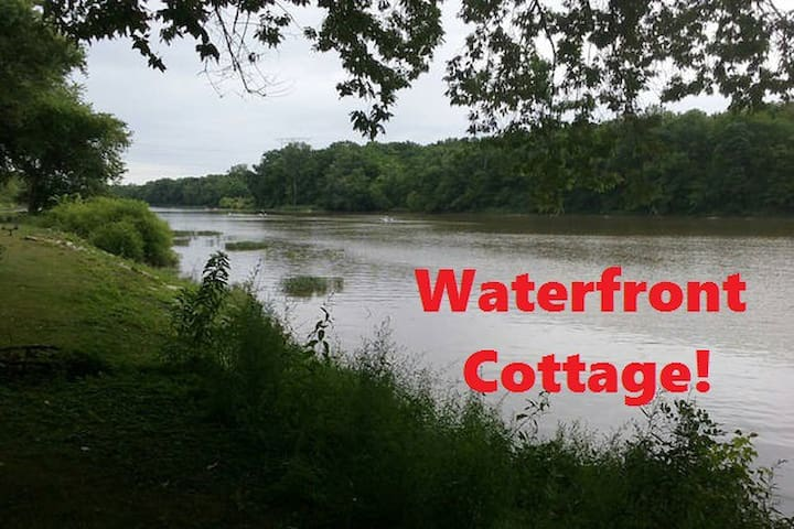 Rustic Waterfront Cottage with free Kayaks & Canoe - Waterville - Casa