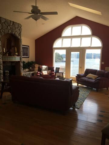 Great Lake house with amazing view - Eldon - Casa