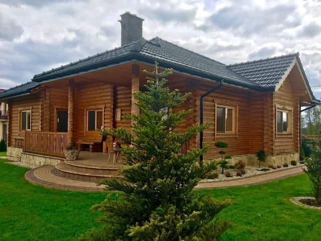 Beautiful cozy log house - Oświęcim - Casa