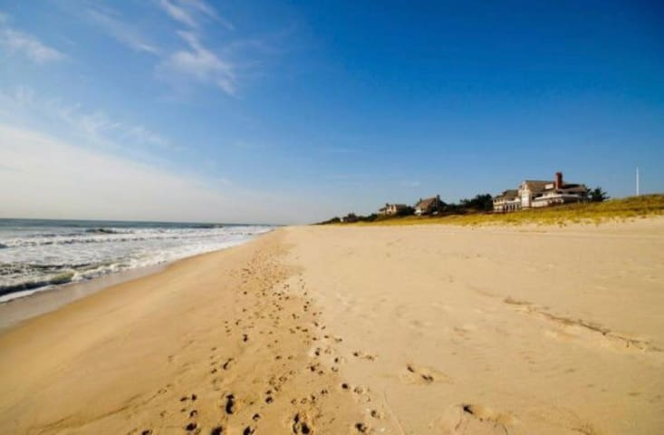 Ocean front house for 6 people - Westhampton Beach
