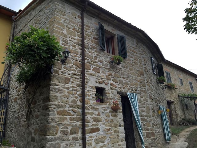 Stone Cottage in Tuscan Countryside - Casamona - Casa