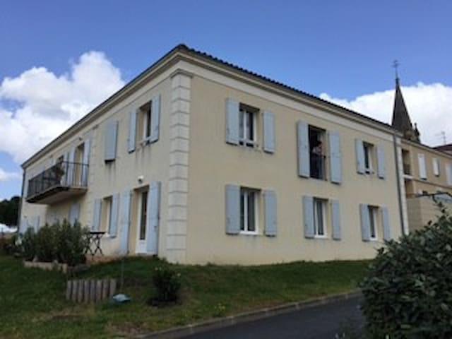 Appartement à 10 min du Centre ville de Bordeaux - Martillac