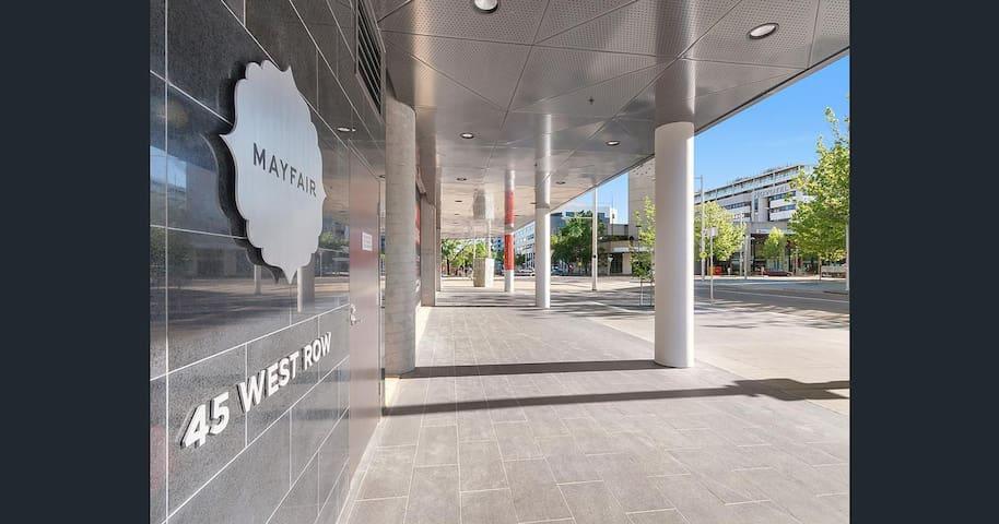 Mayfair executive apartment - Canberra