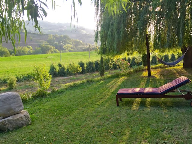 Relaxing Farmhouse with a view - Cellino Attanasio - Hus