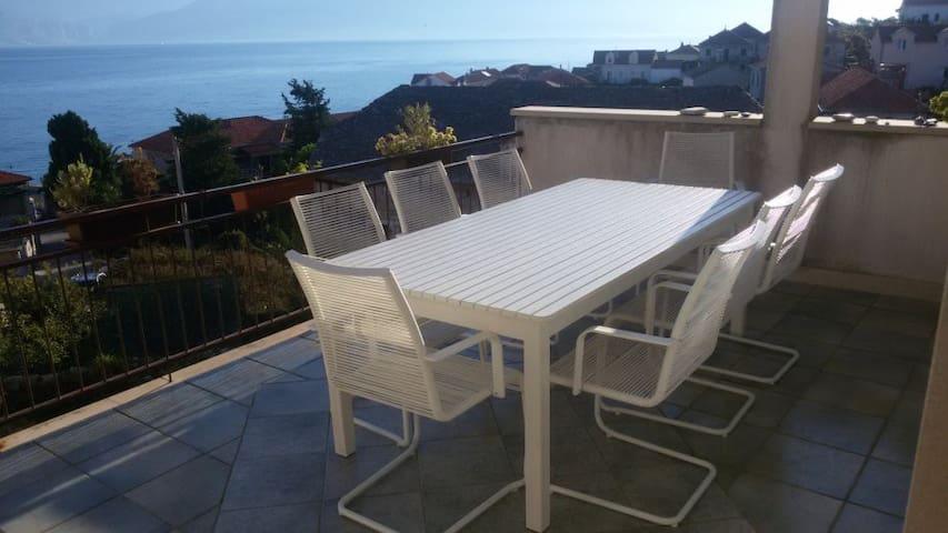 Terrace + sea view, beach 1min away - Postira