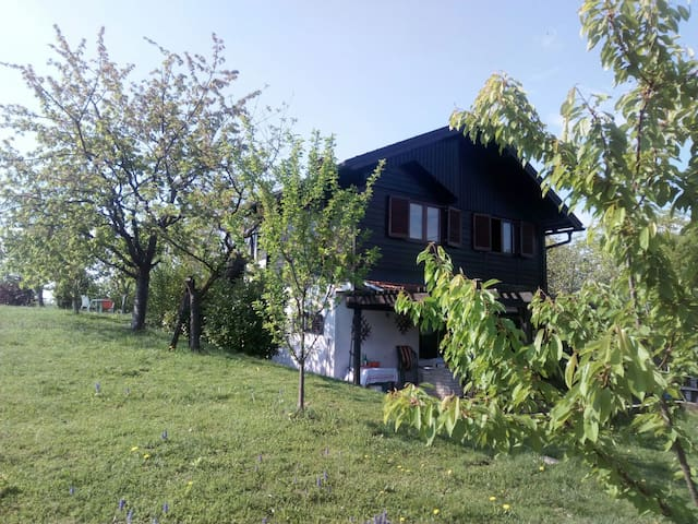 Cozy guesthouse Totalno Dobro - Novi Dvori Klanječki - Maison