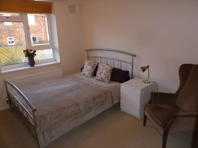 Cosy private room in Castle Cary - Castle Cary - Daire