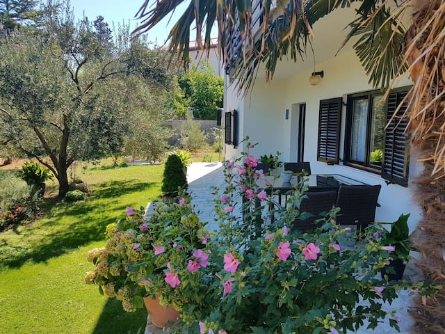 Apartment near old town and beach - Krk - Daire