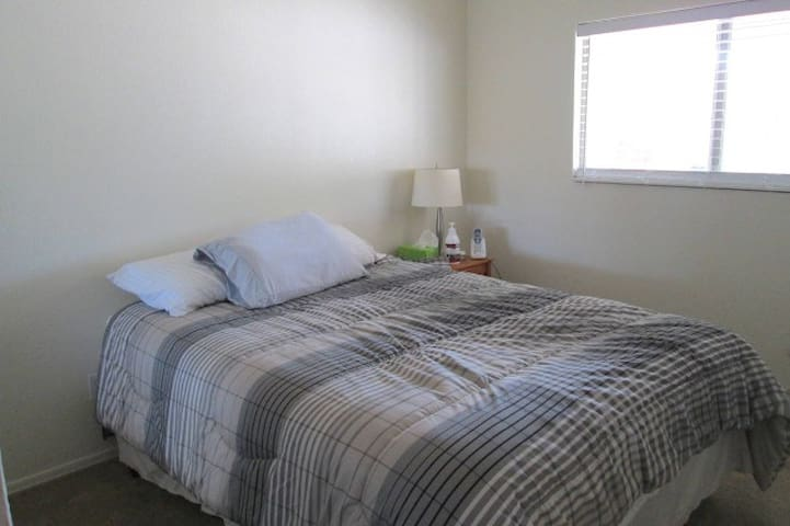 Private bedroom and bath in safe neighborhood. - El Mirage - Talo