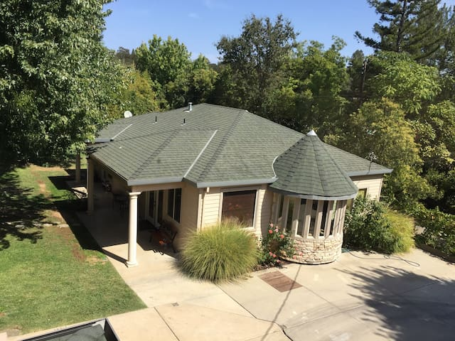 Spacious Private Guesthouse on Gated Property - Fair Oaks - Casa de huéspedes