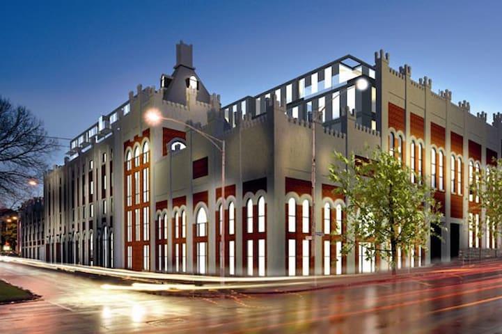 East Melbourne for AO! Convenient & Classy Loft - East Melbourne - Loft