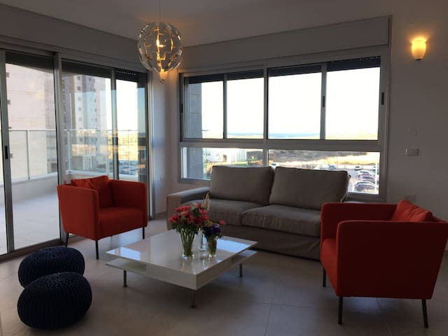 Comfortable Apartment with Sea view - Hadera - Lägenhet