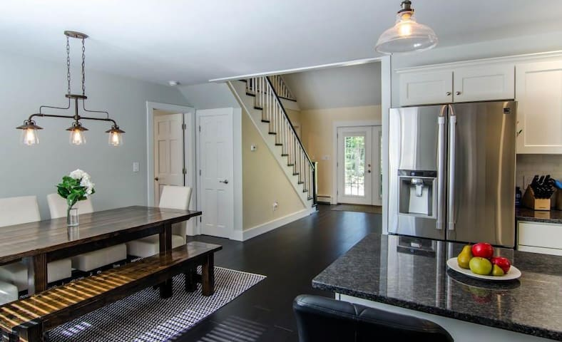 Renovated! Cozy, contemporary with great location. - Hartford - 獨棟