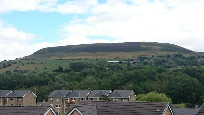 View from bedroom window - Mossley - Haus