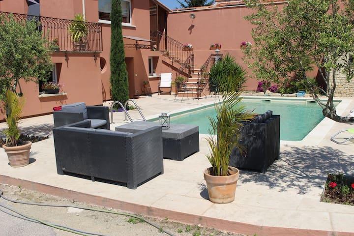 maison indépendante avec piscine - Carpentras