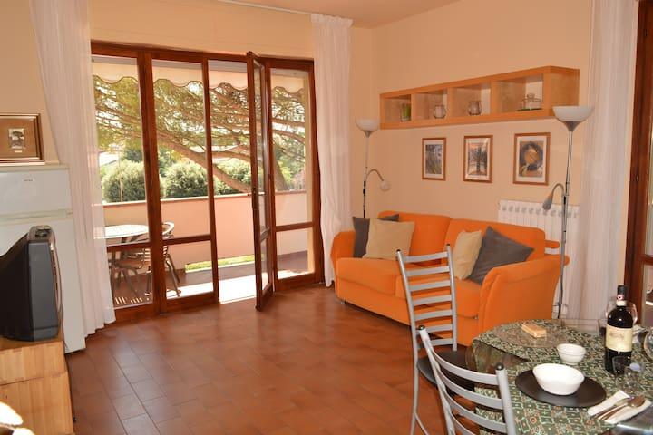 Grazioso appartamento 4/5 persone - Montecatini Terme - Lägenhet