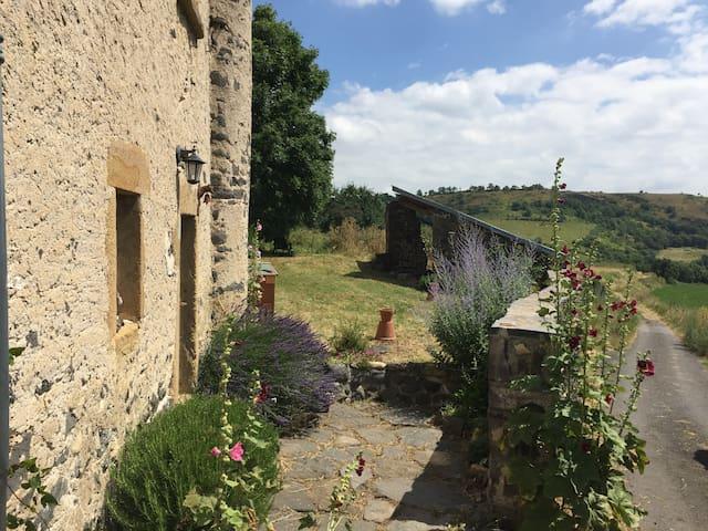 La Palaumarde, maison de famille dans un hameau - Rentières - Ev