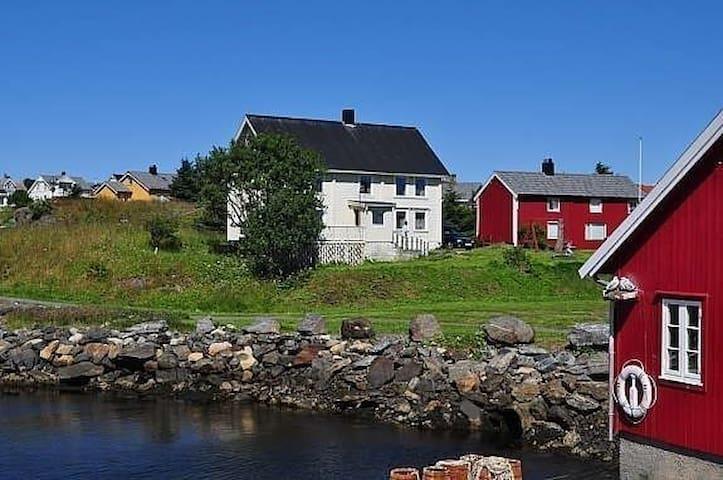 Tungehaugen - Bud - Hus