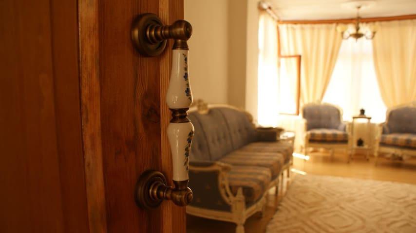 Tarihi Rum evinde Klasik mobilyalı - Muğla Merkez - Dom