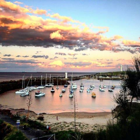 Centrally located beachside unit - Wollongong - Apartamento