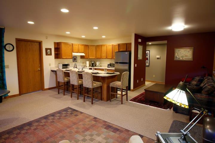 Peaceful Abode: Hot Tub 2BDRM - Missoula - Lägenhet