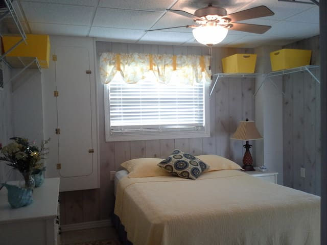 1/1 apt rental minutes to Sanibel & Ft Myers Bch - Fort Myers - Appartement