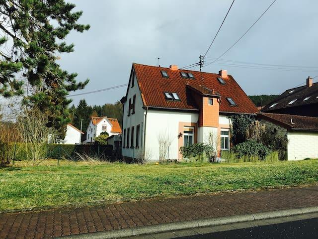 Haus für Naturliebhaber im Pfälzer Wald - Altleiningen - Дом