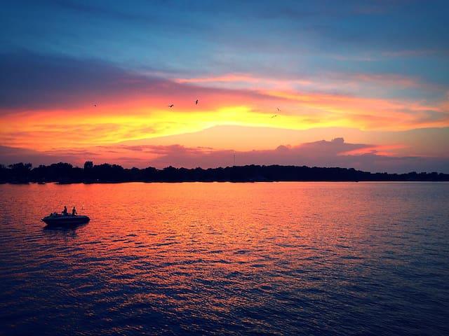 Lake Wawasee Lakefront Property - Syracuse