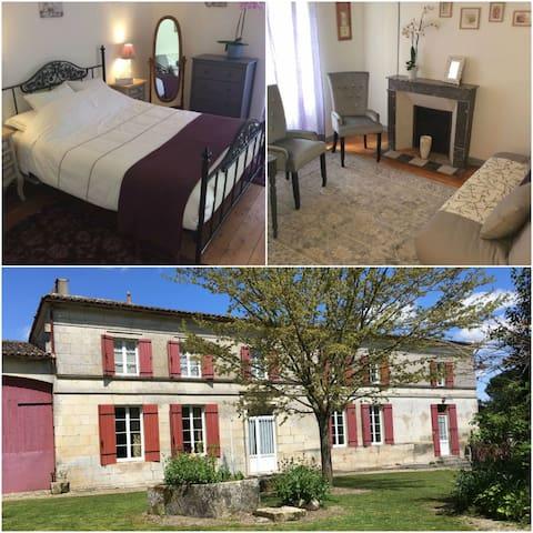 Large Double/Family Room/Grande Chambre Familiale. - Saint-Léger - Hus