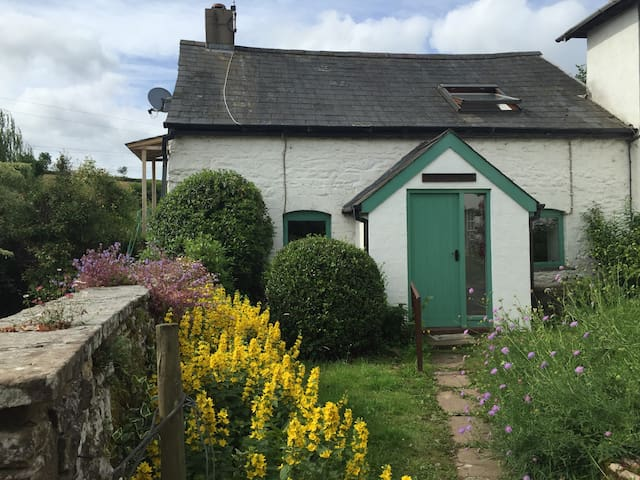 The Bakehouse cottage on an organic farm - Monmouthshire - Rumah