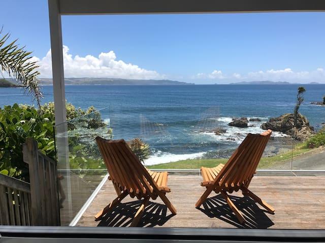 TIDE Stunning beachfront views. - Te Tii - Daire