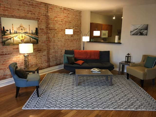 City center loft living - Spokane - Kondominium